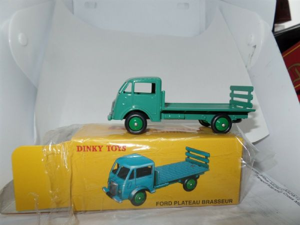 Atlas French Dinky 25H FORD PLATEAU BRASSEUR FLATBED GREEN